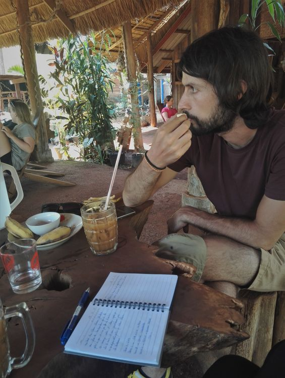 blog voyage laos plateau des bolovens captain hook café mr vieng